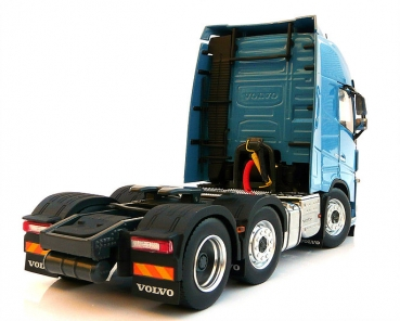 MarGe Models 1811-04 Volvo FH16 6x2 blue