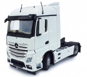 MarGe Models 1907-01 Mercedes-Benz Actros Streamspace 4x2 weiß