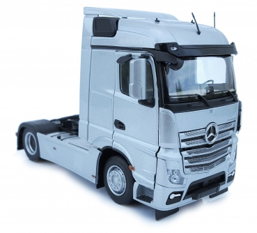 MarGe Models 1907-03 Mercedes-Benz Actros Streamspace 4x2 silber