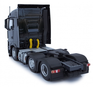 MarGe Models 1908-02 Mercedes-Benz Actros Streamspace 6x2 schwarz