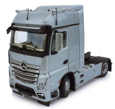 MarGe Models 1909-03 Mercedes-Benz Actros Bigspace 4x2 silber