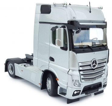 MarGe Models 1911-03 Mercedes Benz Actros Gigaspace 4x2 silber
