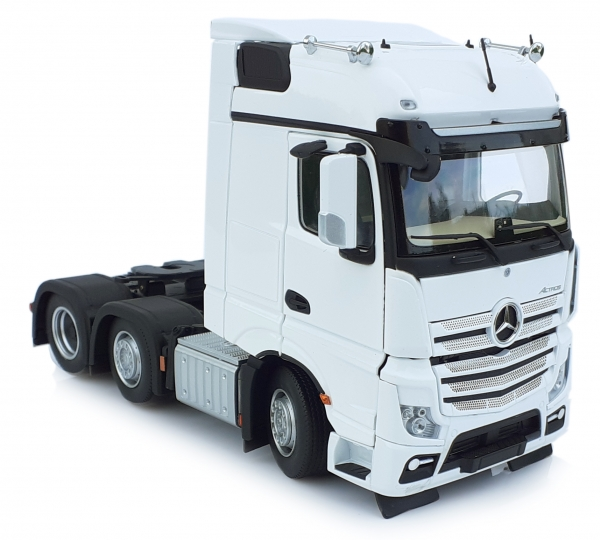 MarGe Models 1910-01 Mercedes-Benz Actros Bigspace 6x2 weiß