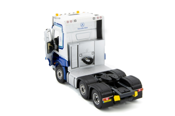 IMC Models 32-0061 L.A. van den Heuvel Mercedes Benz Actros GigaSpace 6x2 and 3-axle semi low loader with wheel wells